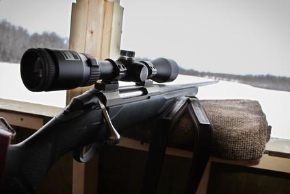 Schießsack als Waffenauflage im Hochsitz
