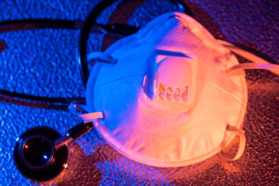 Hilft eine Atemschutzmaske gegen Viren?